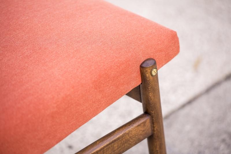 Fotel typ 300-227, Zamojskie Fabryki Mebli, czerwony