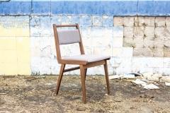 """Krzesła tapicerowane typu """"JAR"""", Fabryka Mebli Giętych w Jasienicy."""